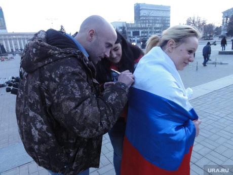 Грэм Филлипс. Селфи с прохожими. ДНР. Донецк. Украина
