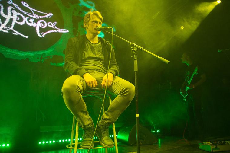 Олег Гаркуша в ТелеКлубе во время концерта. Екатеринбург