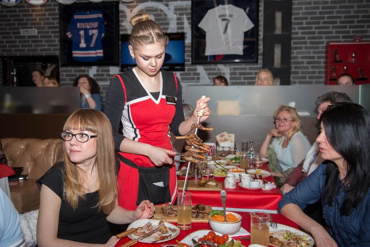 Благотворительный ужин с Антоном Шипулиным в спорт-баре