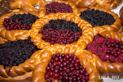 Продукты и товары. Ханты-Мансийск, выпечка, продукты, ягоды, еда