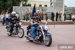 Байкеры привезли из автопробега  землю с мест боевой славы Великой Отечественной. Тюмень, байкер, мотоциклы, мемориал победы