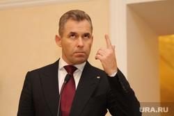 Павел Астахов и Евгений Куйвашев. Екатеринбург, астахов павел, палец вверх