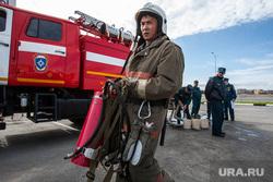Учения пожарных. Тюмень, пожарные