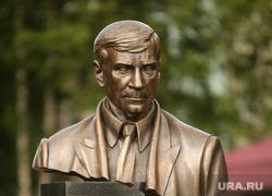 Открытие памятника Владимиру Петухову, Нефтеюганск, памятник владимиру петухову