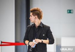 Стильные люди на чемпионате по парикмахерскому искусству. Екатеринбург, ирокез, прическа, стиль