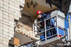 Обрушение дома на Харьковской, 52а. Работа спасателей. Тюмень, спасатель, обрушение дома
