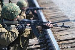 Солдаты, армия. Челябинск., солдат, автомат, калашников, армия, оружие, жд, ак