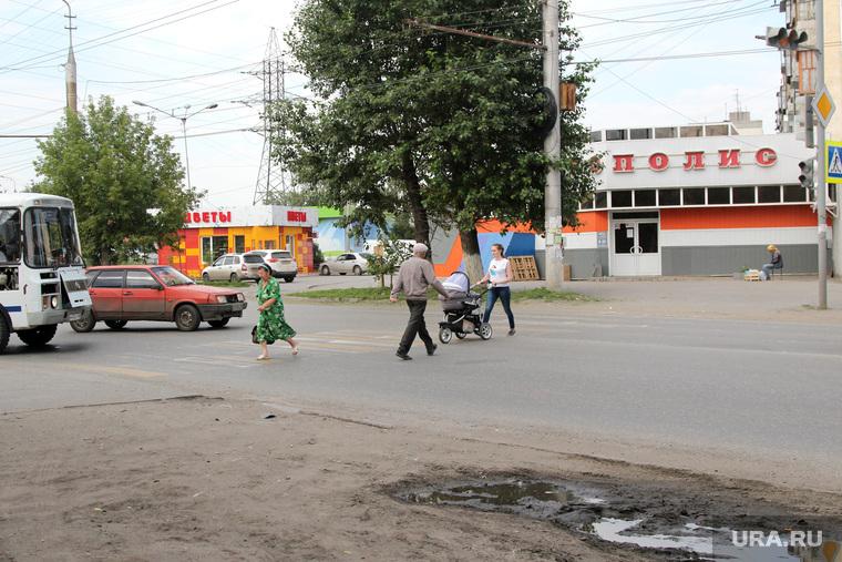 Неработающие светофоры.  Курган, пешеходный переход, светофор не работает, перекресток карбышева чернореченская