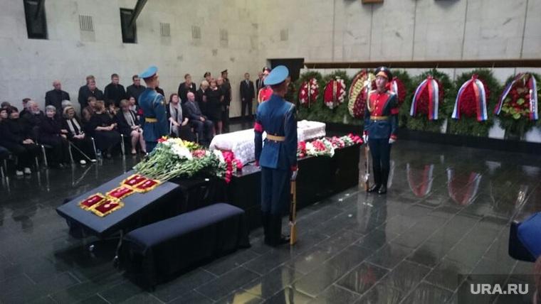 Похороны Геннадия Селезнева