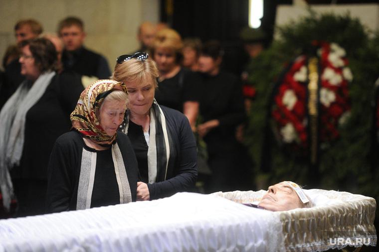 Прощание с Геннадием Селезневым. Москва, мать