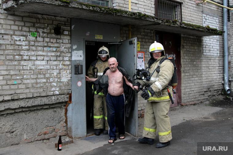 Пожар в доме  Курган, пожарные, пострадавший