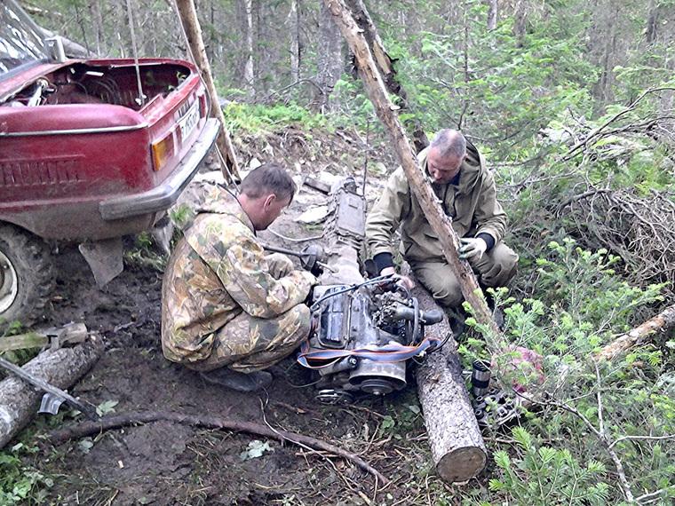 Уральцы заехали на перевал Дятлова на Запорожце, запорожец