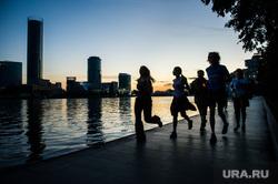 URA.Ru тренируется перед марафоном Европа-Азия. Екатеринбург, тренировка, набережная исети, бег, здоровый образ жизни