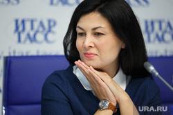 Пресс-конференция по свердловскому туризму. Екатеринбург, туканова эльмира, сложенные ладони