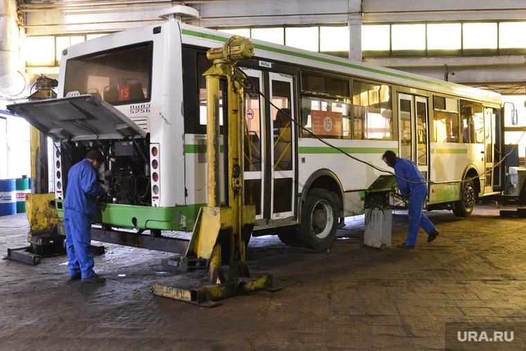 Дубровский на Челябавтотрансе. Автобусы. Челябинск., автобусы, ремонтная зона