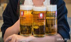 Пивные места в Екатеринбурге, официант, девушка, красавица, пиво