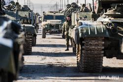 Первая репетиция юбилейного Парада Победы в Екатеринбурге на 2-ой Новосибирской, военная техника, военные, солдаты, репетиция, армия россии