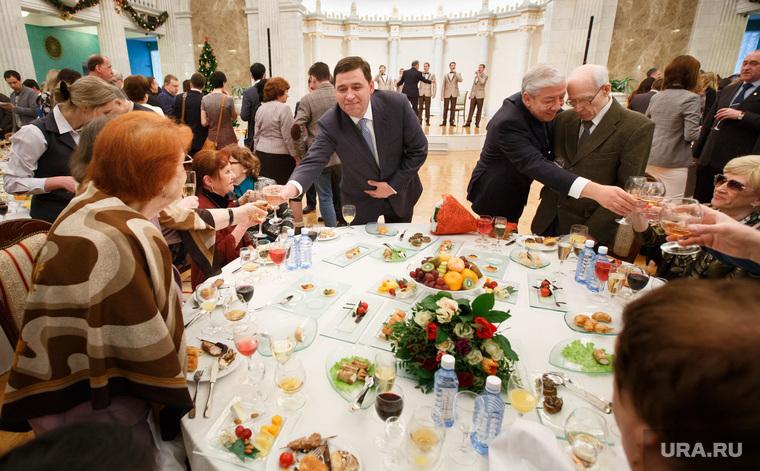 Торжественный прием губернатора ко Дню российской печати. Екатеринбург, банкет, куйвашев евгений, фуршет, шампанское, тост, торжественный прием