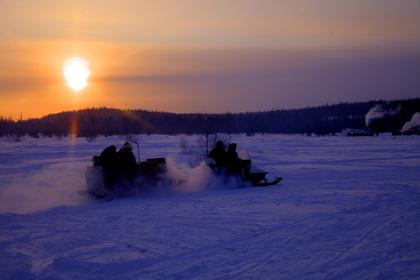 Туризм. День оленевода. ЯНАО, снегоход, север, надым, утро, янао, тундра, арктика, нарты, -40С, ямал, туризм