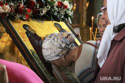 Крестный ход в честь праздника обретения Мощей Петра и Февронии Курган, икона, молебен, целование