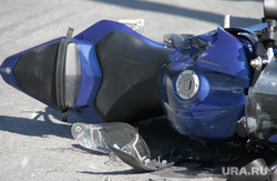 Фоторепортаж - авария с мотоциклом. Салехард, авария, разбитый мотоцикл