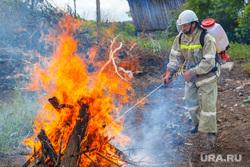 Добровольная пожарная охрана. Верхнее Дуброво. Студенческий, дым, костер, пожар, пламя, тушение огня, огонь