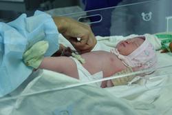Беременная, перешедшая линию фронта, стала мамой