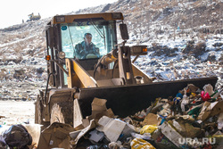 Полигон ТБО и цех сортировки. «Спецавтобаза». Екатеринбург, мусор, бульдозер, спецтехника, гора, отходы, хлам, лка, тбо, куча, окружающая среда, свалка, экология, экскаватор погрузчик, отбросы, спецтехника для полигонов тбо, помои