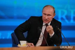 Подробно. Пресс-конференция с участием президента РФ Владимира Путина. Москва, чай, портрет, путин владимир, кулак