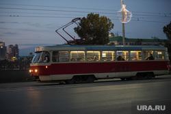 Клипарт. Екатеринбург, ночной трамвай, вечер