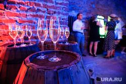 Вечеринка Vinnoprom-2016 от BeBrand Group. Екатеринбург, вино, шампанское, тусовка, вечеринка, бокалы, алкоголь