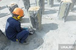 Заливка фундамента храма. Челябинск., сваи, стройка, рабочий