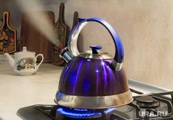 Чайник,миксер, соковыжималка, бытовая техника  , чайник, пар, газовая плита, чайник кипит, чайник пар плитачайник кипит