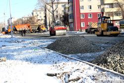 Ремонт дороги ул Бажова Курган , спецтехника, щебень, ремонт дороги