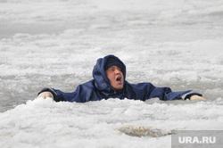 Спасение на водах зима. Утопающий. Полынья. Прорубь. Лед. Челябинск., полынья, прорубь, лед, утопающий