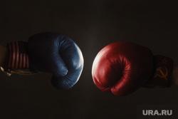 Клипарт коллекторы, долги, дети, кредиты,насилие, бокс, боксерские перчатки, битва