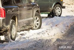 Разное. Ханты-Мансийск., снег, парковка, зима, снег на дорогах