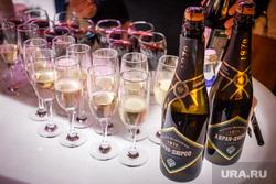 Презентация новой коллекции и открытие бутика USHATAVA. Екатеринбург, фуршет, шампанское, абрау дюрсо, алкоголь
