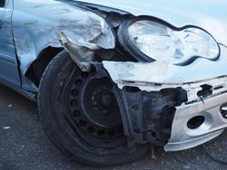 Открытая лицензия от 01.09.2016. ДТП, аварии, колесо автомобиля, дтп, разбитая машина, авария
