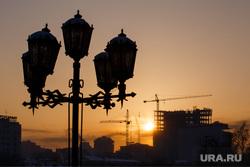 Рассвет. Екатеринбург, рассвет, стройка, фонари освещения