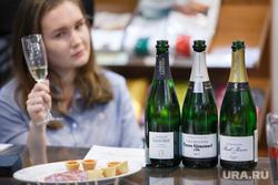 Дегустация Шампанских вин в алкомаркете Магнум. Екатеринбург, вино, дегустация, шампанское, бутылки, алкоголь