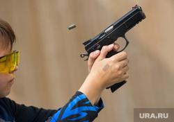 Практическая стрельба из пистолета. Екатеринбург, тир, стрельба, ребенок, пистолет