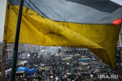 Майдан. Киев. Украина. 23.02.2014, флаг украины, майдан