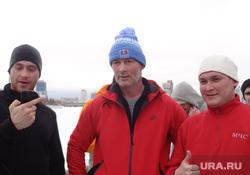 Мэр Ройзман встретил Новый год пробежкой и толпа ледовый городок, ройзман евгений