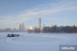 Расчищенная ледяная площадка у Динамо. Екатеринбург, каток, лед, город екатеринбург, городской пруд