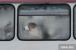 Зимний Екатеринбург, холод, зима, мороз, автобус, общественный транспорт, пассажирка