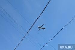 Самолеты в городе. Екатеринбург, самолет, авиация, ан12