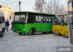 Тестирование маршрута новой транспортной схемы. Екатеринбург, автобус, остановка общественного транспорта, маршрутка