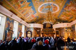 Погребение плащаницы Христа в Свято-Троицком Соборе. Екатеринбург, храм, вера, собор, служба