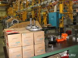 Курганский машиностроительный завод  (КМЗ) , кмз, детали в упаковке, цех завода